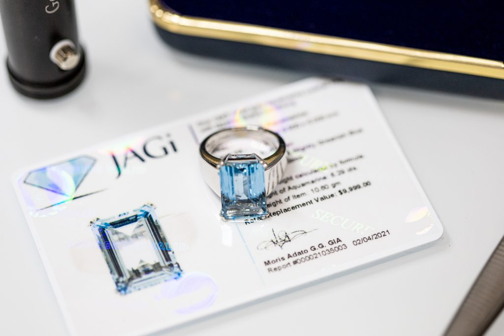 JAGi Lab's gemologists are experts at identifying and valuing aquamarines set in jewelry.