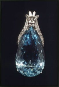 Aquamarine, platinum, and diamond brooch-pendant